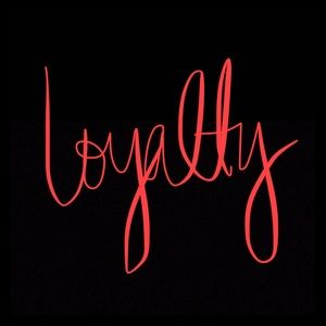 Other - Loyalty 💐 return shoppers receive gift w/purchase